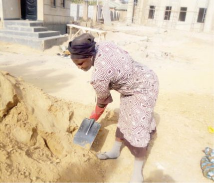 Agnes-Lot-working-at-a-construction-site-in-Jos-429x367.jpg
